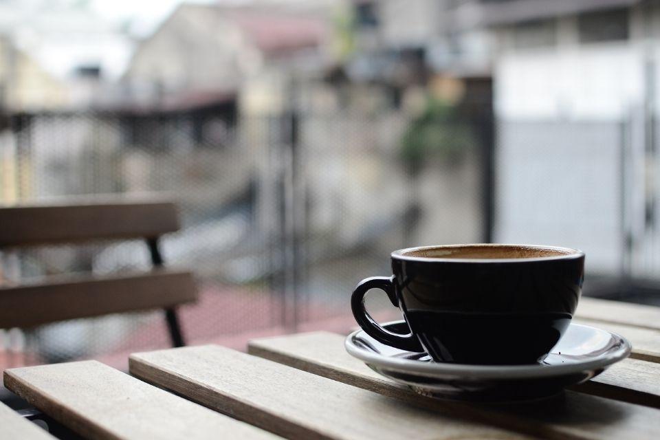 Waarom je je koffie vergeet, wanneer je depressief bent
